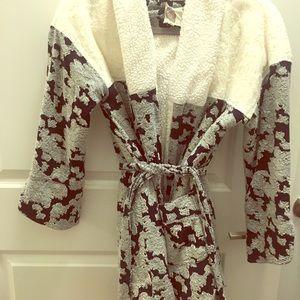 Cozy Anthropologie Robe